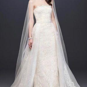 Brand new wedding dress (tags still attached)